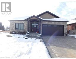 143 RONNIES WAY, mount forest, Ontario